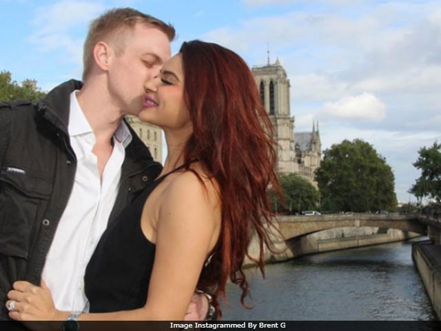 Aashka Goradia, Fiance Brent Goble Are Holidaying In The City Of Love