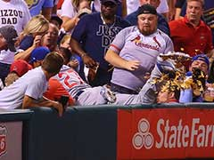 Baseball Fan Gets Gift Of Fresh Nachos From Rival Team Star Who Crashed Into His Original Order