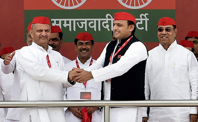 Mulayam may part ways with Akhilesh
