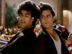 <i>Khiladi</i> Akshay Kumar Asks <i>Anari</i> Saif Ali Khan Over For Some Laughs