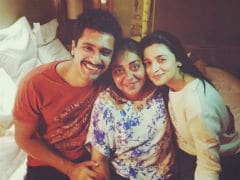 Alia Bhatt, Vicky Kaushal Pack First Schedule Of <i>Raazi</i> With A Happy Pic