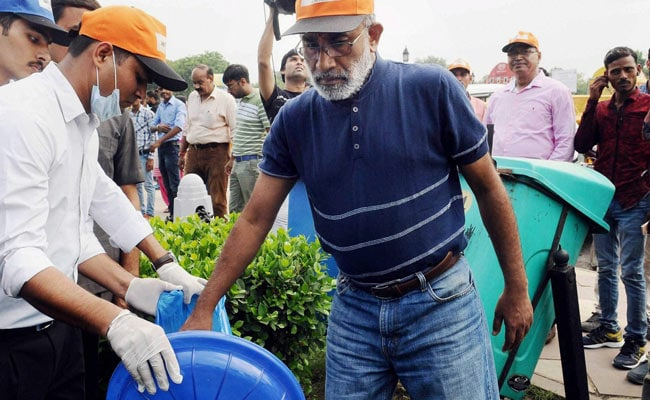 Minister KJ Alphons Finds No Garbage To Clean At India Gate, Volunteers Arrange Some