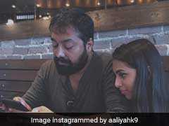 पॉपुलैरिटी के मामले में पिता अनुराग कश्यप से कम नहीं उनकी बेटी, जीती हैं ऐसी ग्लैमरस लाइफ