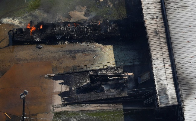New Fire Erupts At Flood-Damaged Texas Chemical Plant: Video