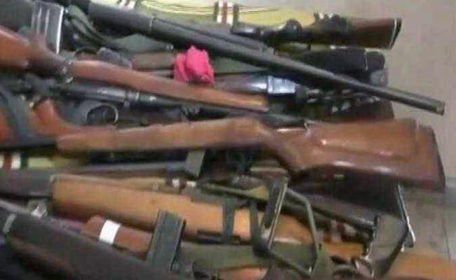 कांग्रेस एमएलए के घर पर एनआईए का छापा, कई अवैध हथियार बरामद किए गए