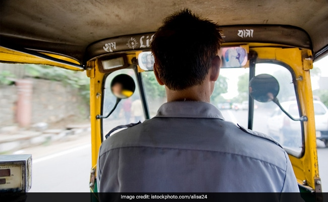 Auto Driver Dies After Iron Rods From Truck Ahead Of Him Pierced His Body
