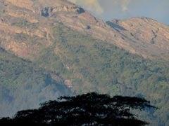 Bali Volcano On Highest Alert Level, Thousands Flee