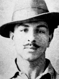 'जिंदगी अपने दम पर जी जाती है, दूसरों के कंधों पर तो सिर्फ जनाजे उठते हैं'.. भगत सिंह के ऐसे ही 10 Quotes