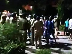बीएचयू में छेड़छाड़ के विरोध में धरना दे रहे छात्र-छात्राओं पर लाठीचार्ज, छावनी में तब्दील हुई यूनिवर्सिटी