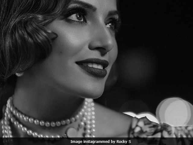 Bipasha Basu's Black And White Pic Is Pure Gold