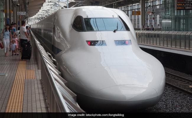 मुंबई-अहमदाबाद खंड में ट्रेनों में 100 फीसदी से अधिक सीटें भरी रहती हैं : पश्चिम रेलवे