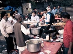 What all Street Foods Are Included in Chaat? From Gol Gappe to Aloo Tikki and More!
