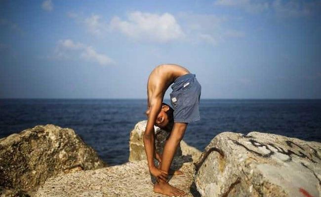 contortionist afp 650 3