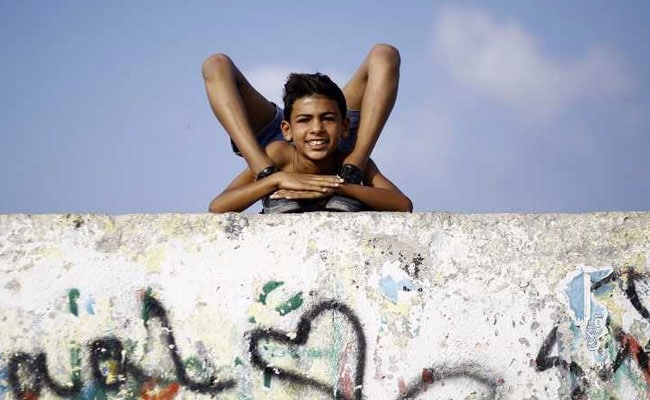 YouTube Helped Him Become A Contortionist. He's Now Eyeing A World Record