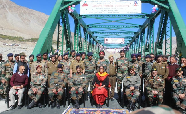 Country Celebrates Dussehra; Union Ministers Rajnath Singh, Nirmala Sitharaman Join Troops