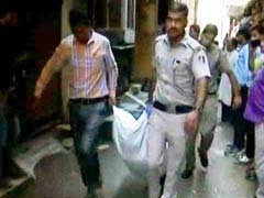 दिल्ली में पत्नी समेत दो महिलाओं की हत्या के आरोपी ने फांसी लगाकर दी जान