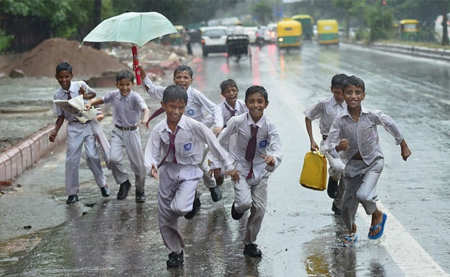 Delhi Cools Down After Overnight Showers, Pleasant Weekend Ahead