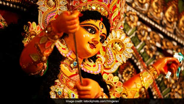 Durga Puja 2017: A Food Guide to Eating at the Puja Pandals