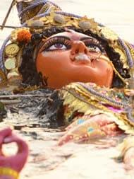 दुर्गा प्रतिमा विसर्जन को मोहर्रम के बाद कराने के फैसले पर ममता सरकार को हाईकोर्ट की फटकार