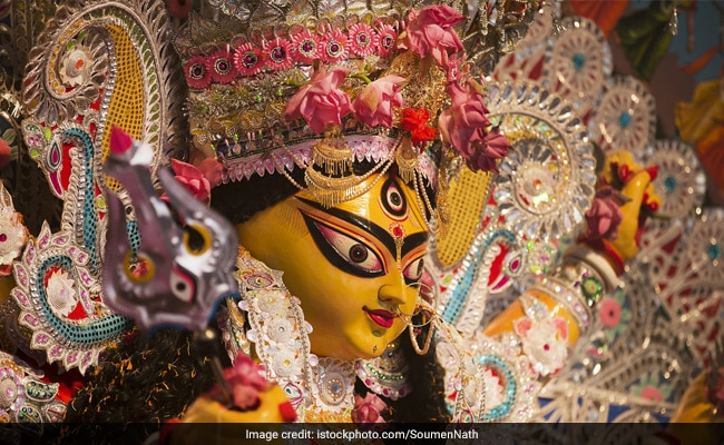 Navratri 2017: Why You Cannot Have Onion and Garlic During Navratri