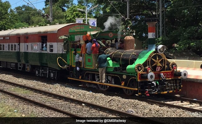 On Heritage Run, World's Oldest Locomotive Draws Huge Crowds