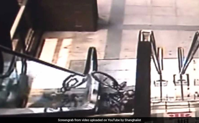 Frightening Video Shows Why You Should Never Take Bicycle On An Escalator
