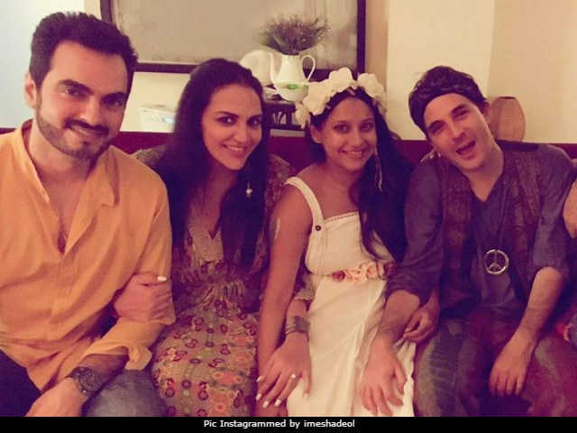 Esha Deol Spotted At This Baby Shower (No, Not Her's). Pics Here