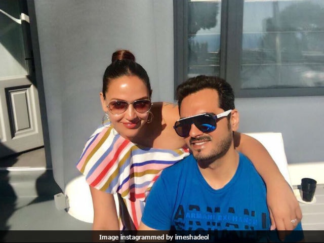 Pregnant Esha Deol Is 'Making The Most Of The Weekend' With Husband Bharat Takhtani