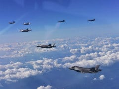 अमेरिका ने कोरियाई प्रायद्वीप के ऊपर उड़ाए बमवर्षक और स्टेल्थ लड़ाकू विमान