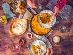 सेहत से है प्यार तो भूलकर भी एक साथ न खाएं ये चीजें