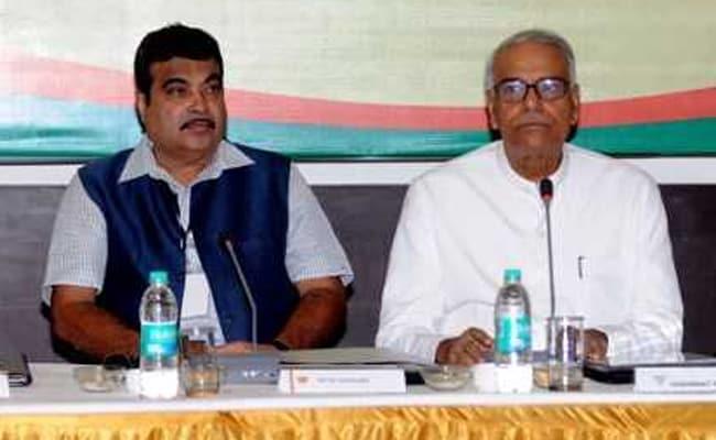 Yashwant Sinha Fails Arun Jaitley Big Time, Praises Nitin Gadkari