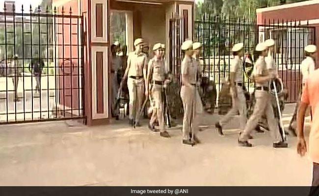 गुरुग्राम के स्कूल में हत्या :  'प्राइवेट स्कूल नहीं करवाते हैं अपने कर्मचारियों का पुलिस वेरिफिकेशन'