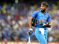 India vs Australia: Hardik Pandya Wears Mumbai Indians' Gloves In The First ODI
