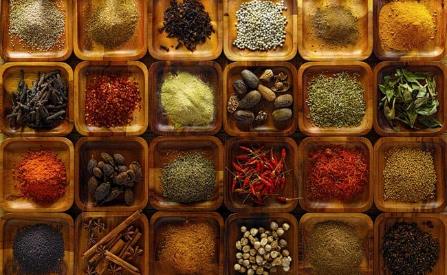 7 Best Herbs And Spices For Weight Loss
