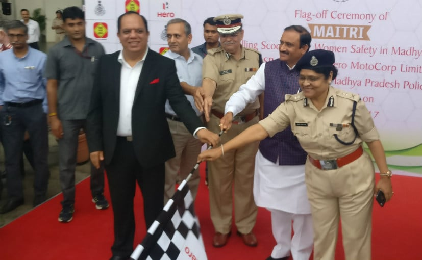 Hero MotoCorp presents 80 Duet scooters to women police officers in Bhopal