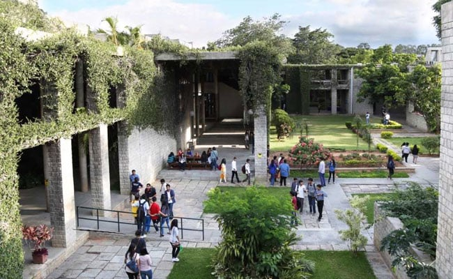 IIM Bangalore Summer Placements: More Than 130 Companies Recruit All 401 Students