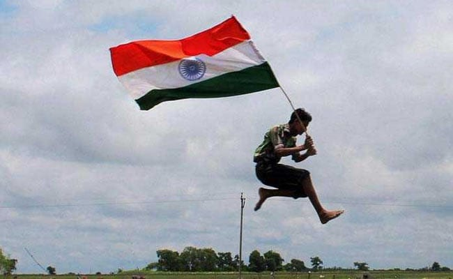 Happy Independence Day 2018: WhatsApp Messages, SMS, Wishes, Images, Quotes To Share On 15th August