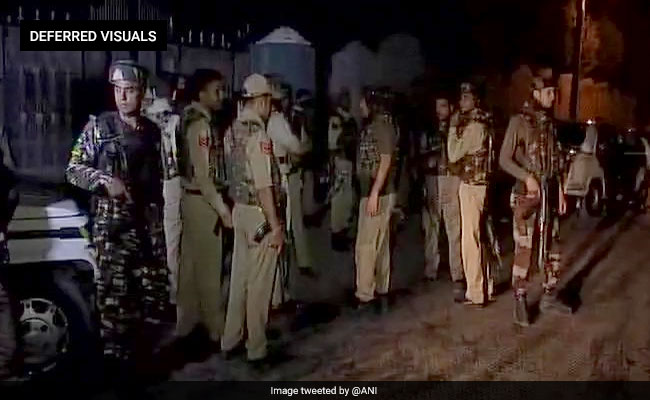 J&K: Terrorists attack bus of security personnel, 5 policemen injured