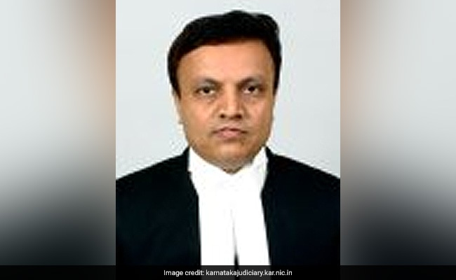 Judge Who Ordered CBI Investigation In Ishrat Case Resigns Without Citing Reason