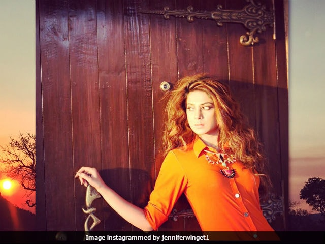 Jennifer Winget's Photoshoot Pics Are Swiftly Going Viral