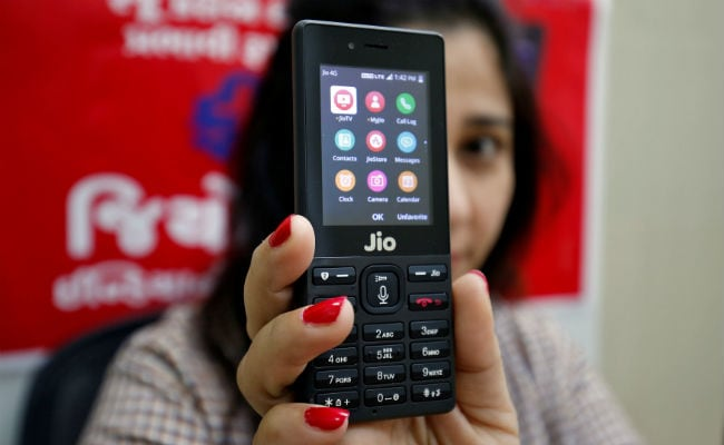 You Can Use Facebook On JioPhone From Wednesday