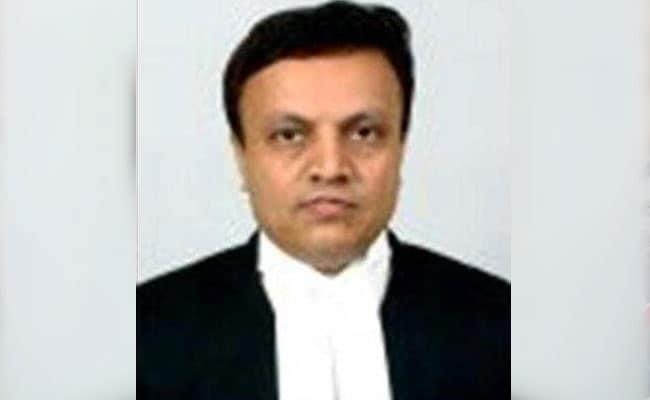 कर्नाटक हाईकोर्ट के जज जयंत पटेल ने ट्रांसफर के विरोध में रिटायरमेंट से 10 महीने पहले ही दिया इस्तीफा