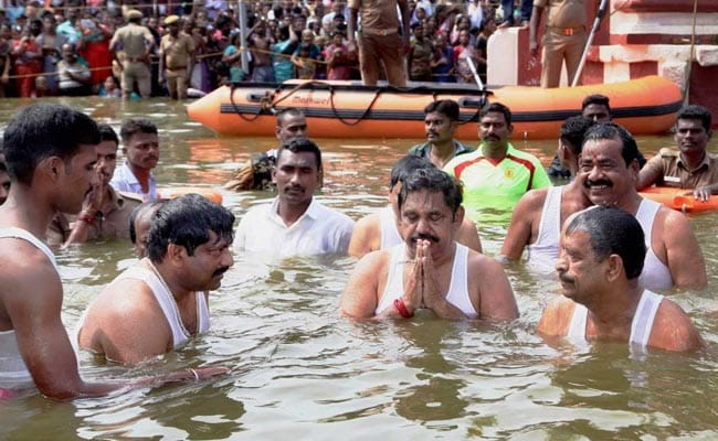 Tamil Nadu Chief Minister Takes Holy Dip In Cauvery, Draws Ridicule From TTV Dhinakaran