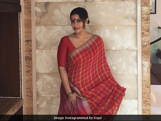 Durga Puja 2017: Kajol Welcomes The Goddess With A Pic From Last Year's Festivities