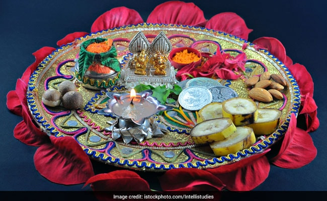 Karwa Chauth 2018: What Is Sargi? What Goes Into A Traditional Sargi Thali