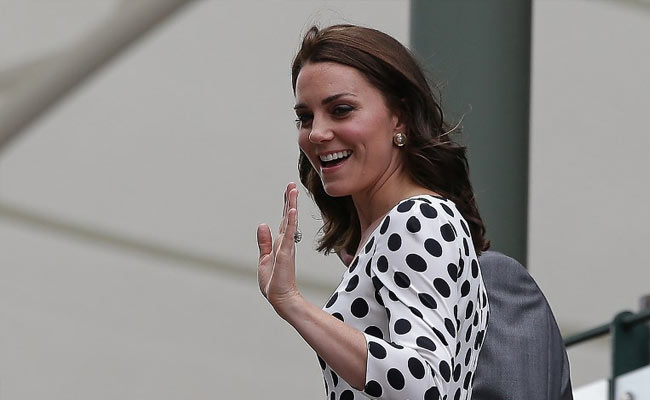 French Court Orders Magazine To Pay 100,000 Euros Over Kate Topless Pics