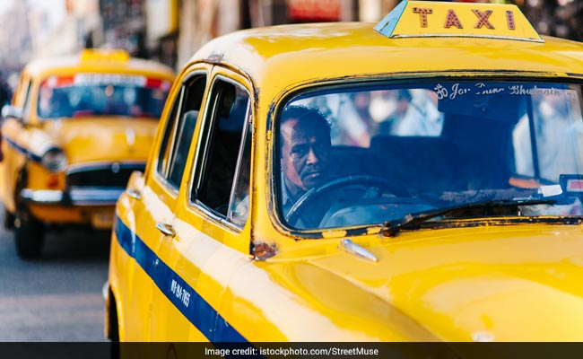 Kolkata To Get Its First-Ever Women Traffic Cops, But There's A Catch