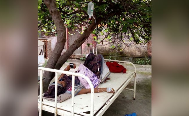 No Space Inside, Madhya Pradesh Hospital Treats Pregnant Woman Under Tree