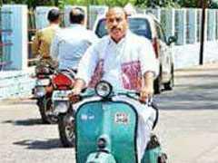 स्कूटर पर सियासी सफर और लालबत्ती, टीकमगढ़ के सांसद वीरेंद्र कुमार बने मंत्री