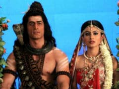 Mouni Roy And Mohit Raina Are Breaking Up (Or Have Already), Say Reports